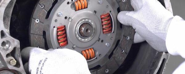 kit d'embrayage et volant moteur